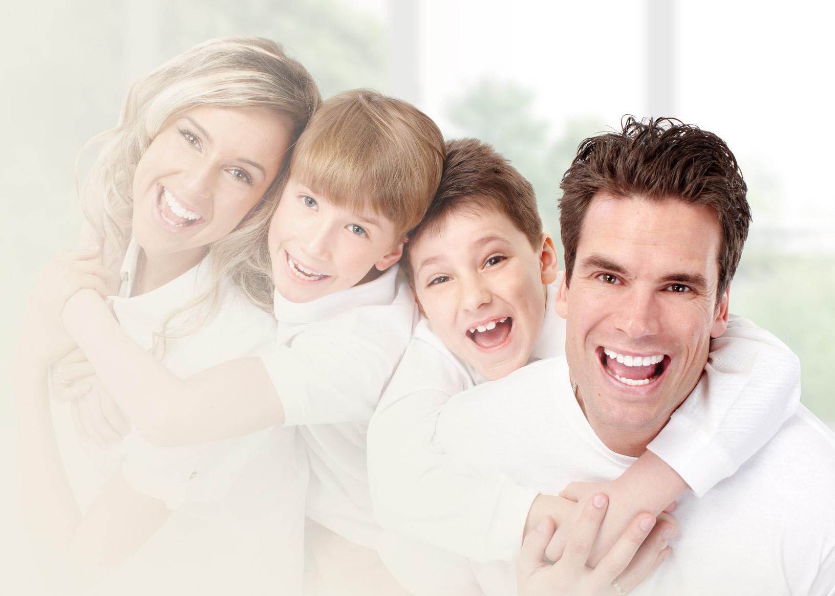 Madame, Monsieur et leurs enfants sont tous les bienvenus au cabinet dentaire des docteurs Marcucci & Combes