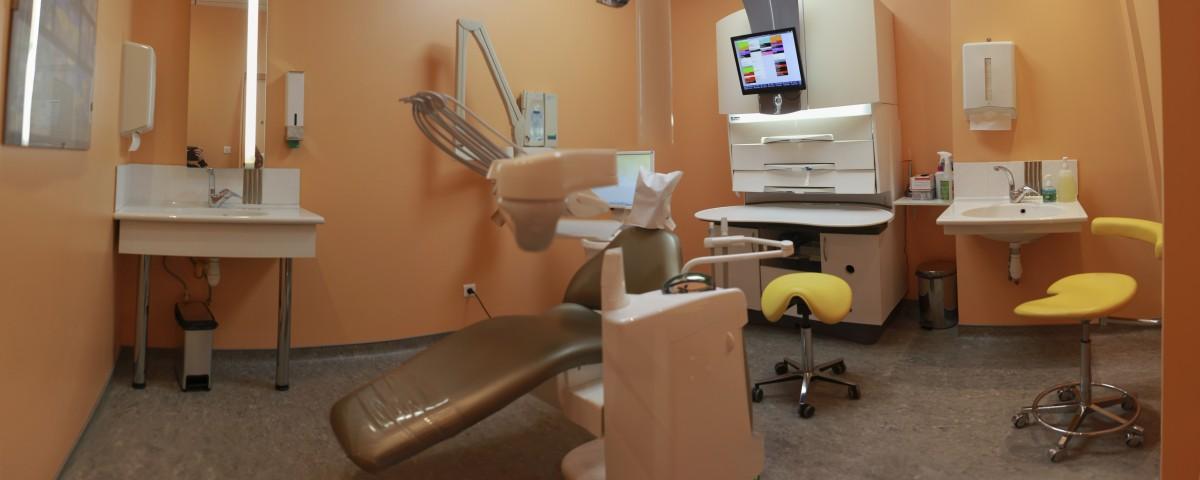 Salle orange du cabinet dentaire des Dr. Marcucci & Combès
