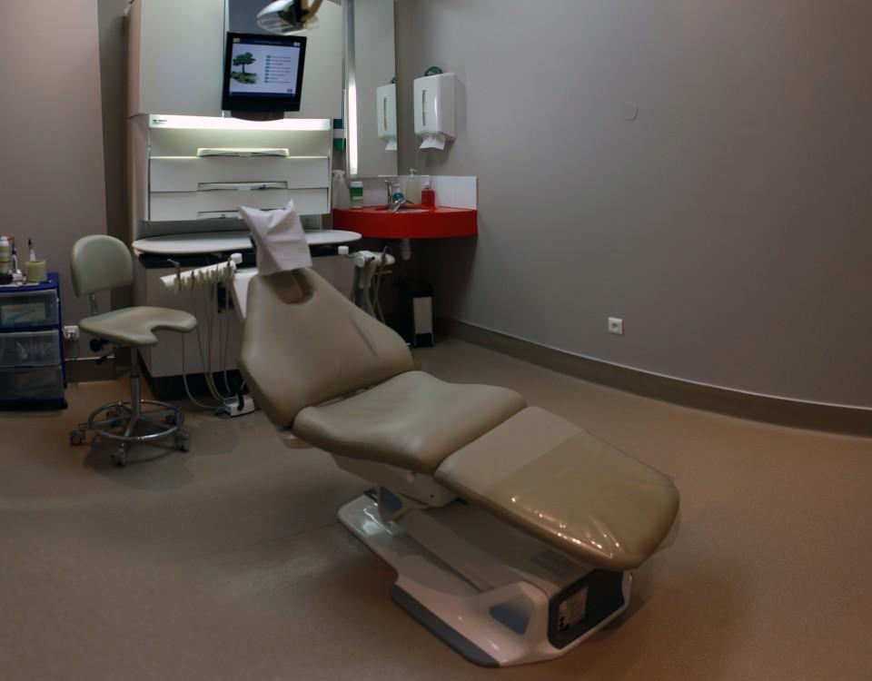Salle brune du cabinet dentaire des Dr. Marcucci & Combès